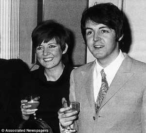 Cilla Black med Paul McCartney, 1968