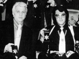 Dr. George Nichopoulos og Elvis Presley