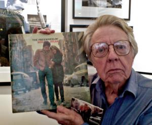 Hunstein, Don - med omslaget til The Freewheelin' Bob Dylan